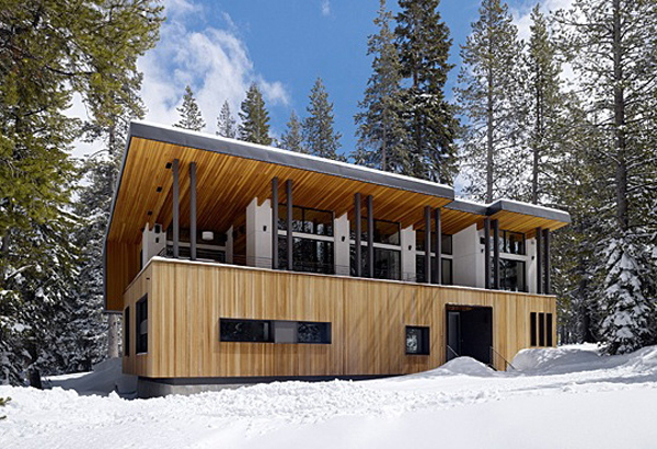home121 Winter Dream Home in a Small Village in California: Sugarbowl Residence