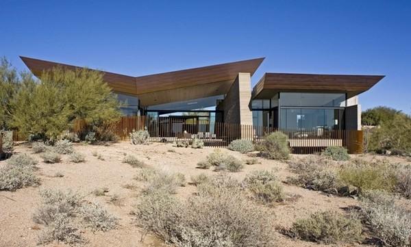 modern villa Freshome 01 Remote, Modern and Impressive: Desert Wing Residence in Arizona