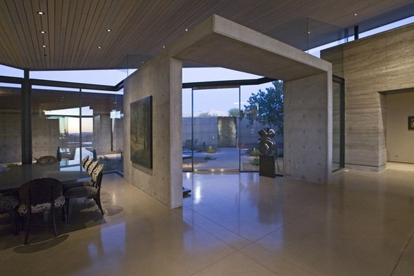 modern villa Freshome 17 Remote, Modern and Impressive: Desert Wing Residence in Arizona
