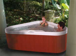 Corner Hot Tub for 3