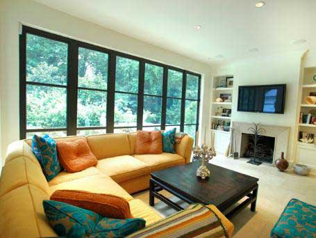 http://freshome.com/wp-content/uploads/2007/09/living-room-furniture5.jpg