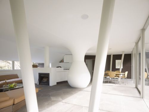 Modern House uses Water Tank to Hold up Roof :  paul morgan architects water tank roof modern