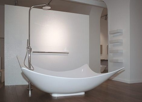 Leggera Bathtub A New Design from Ceramica Flaminia