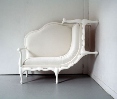 canape-crawl-up-the-wall-chair.jpg