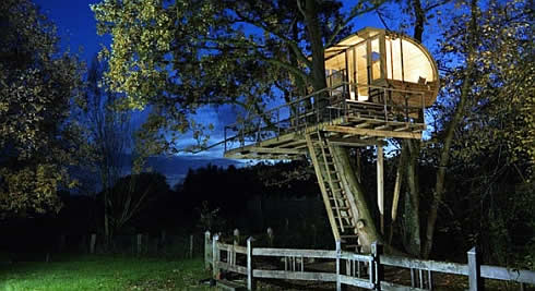 Baumhauser : Amazing Prefab Treehouses by Baumraum