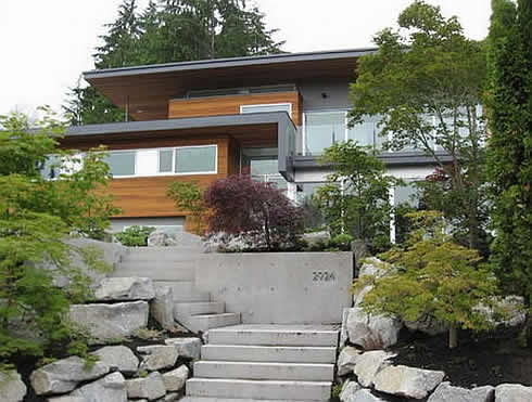 Geddes Residence Shines in West Vancouver