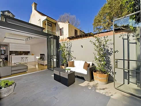 inspiring townhouse row house with a courtyard in the center of the