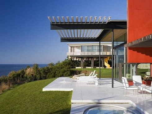 oceanfront estate in montauk 2 Oceanfront Estate: Tranquil Retreat   Away From the City Glitz