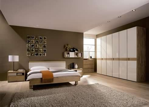 Bedroom on Luxury Vast Bedroom  With White Wardrobe  And Dark Walls