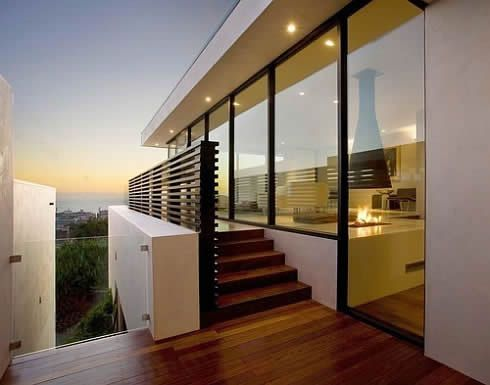 Lavish Three-storey House in Manhattan Beach