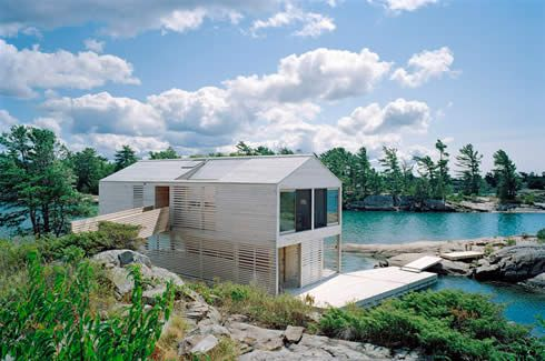Floating House in Ontario, Canada