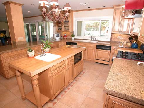 wood kitchen How to pick the perfect kitchen furniture
