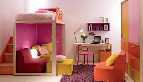 Children's bedrooms by Dearkids: A splash of color and a dash of delight