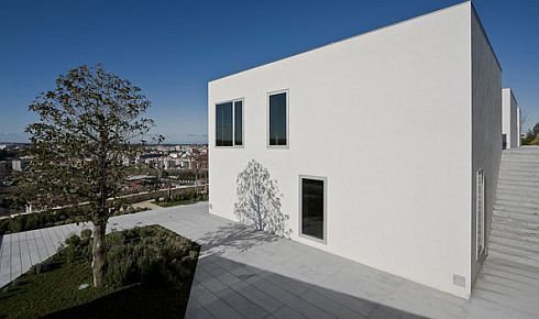 house pousos portugal bak gordon architect2 Ultra minimalist Home  in Pousos, Straight Lines and Sleek Form
