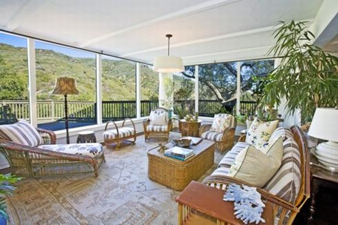 sally field in malibu 6 Sally Field Estate in Malibu, Three Acres   of Classic Elegance