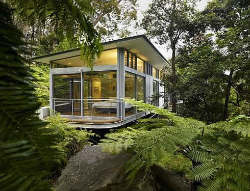 Contemporary Glass House in Sydney, Australia