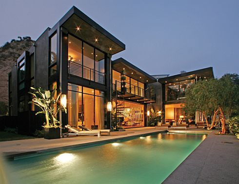 Hollywood's House of the Year – The Ultimate Bachelor Pad?
