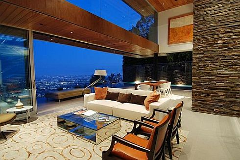 $4,95 million 8400 Grand View Drive Residence in LA