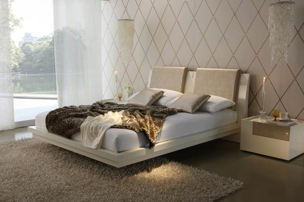 Diamond ivory letto e comodini New Trend: Bright White in the Bedroom