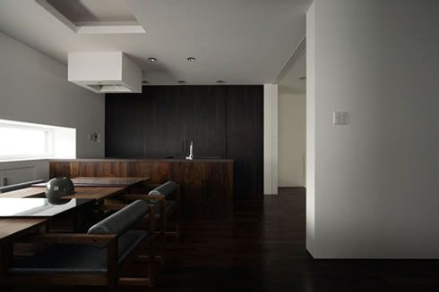 black-exterior-japanese-house-design-1