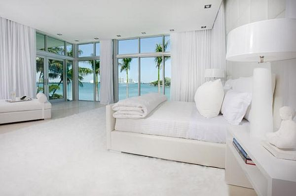 Luxury White Bedroom With Beach Scenery