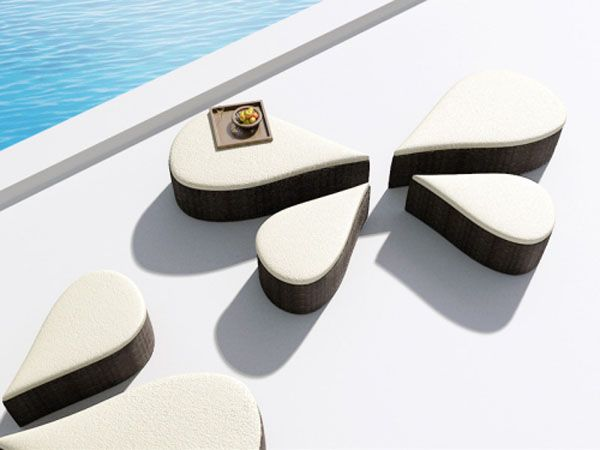 Fiore Sofa Inspired by Flowers 2 Versatile Pool Sofa for Ladies  and Their Guests