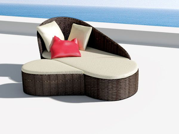 Fiore Sofa Inspired by Flowers 4 Versatile Pool Sofa for Ladies  and Their Guests