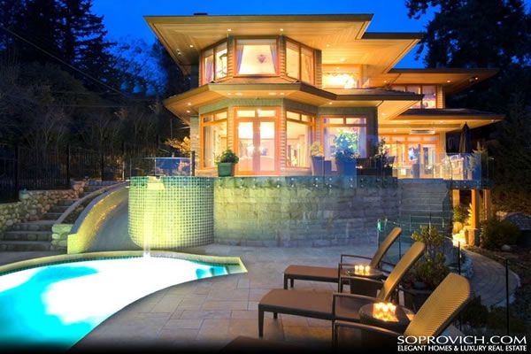 Luxurious Waterfront House in Vancouver