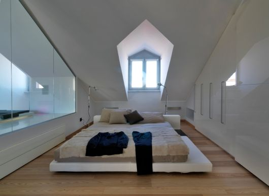 Apartment In The Attic by Studio Damilano