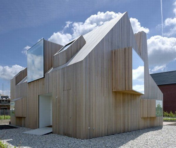 House in The Netherlands: Architecture and Sculpture Combined
