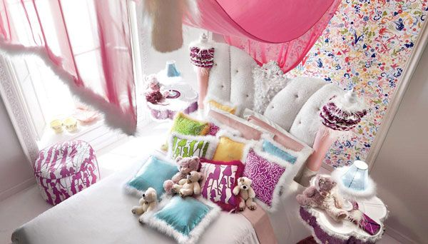 Beautiful Little Girls Bedroom with a Fairy-tale Ambiance