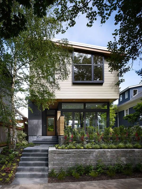 Contemporary Wall House in Seattle by Adams Mohler Ghillino
