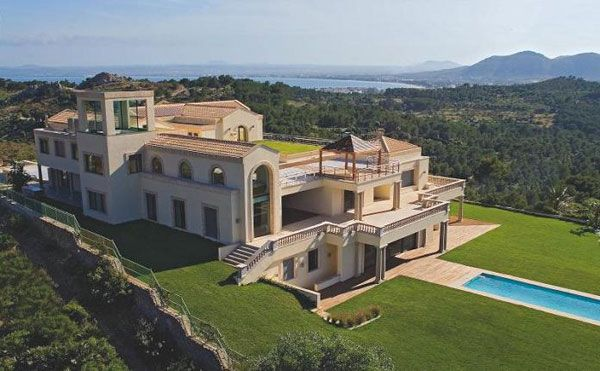 mansion in the mediterranean mallorca spain luxury property What Does A $75 Million Luxury House Look Like?