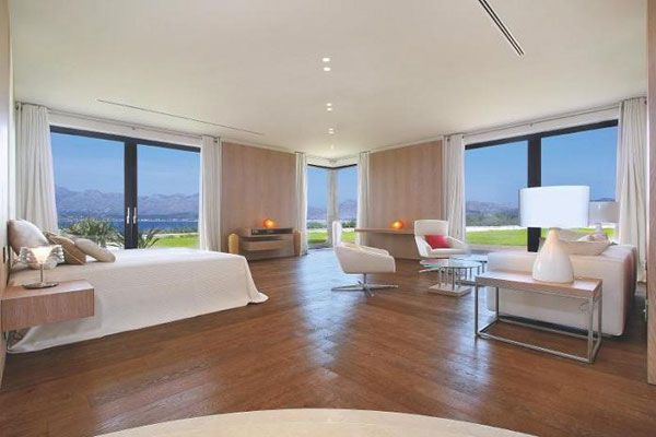 master bedroom with panoramic views What Does A $75 Million Luxury House Look Like?
