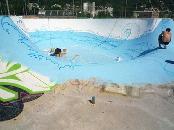Turning an Old Pool Into a Skaters' Heaven : Octopus by NEVERCREW'S