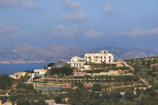 panoramic views mediterranean mansion What Does A $75 Million Luxury House Look Like?