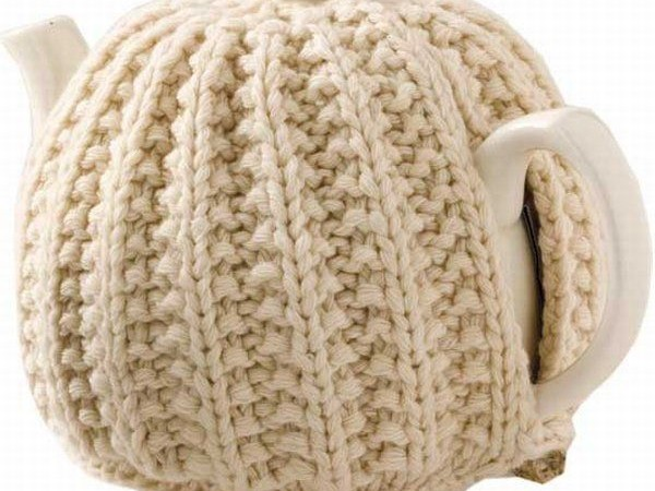 Cute Knitted Tea Cozy : Dress Up Your Tea Party