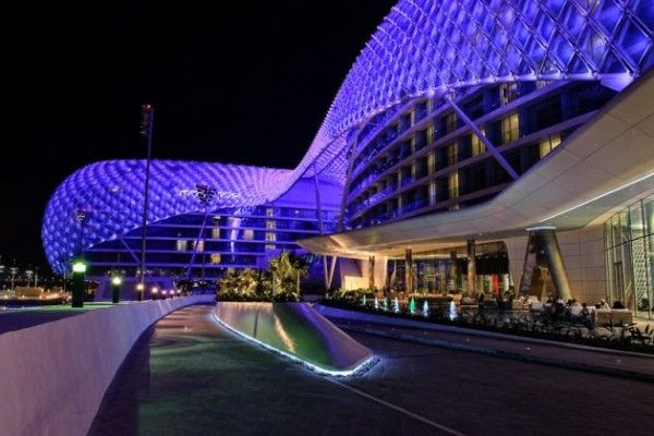 The YAS Hotel by Asymptote Architecture 3 600x400 The Largest LED Architecture Project in The World: Yas Hotel in Abu Dhabi