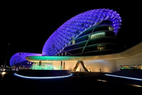 The YAS Hotel by Asymptote Architecture 4 600x400 The Largest LED Architecture Project in The World: Yas Hotel in Abu Dhabi