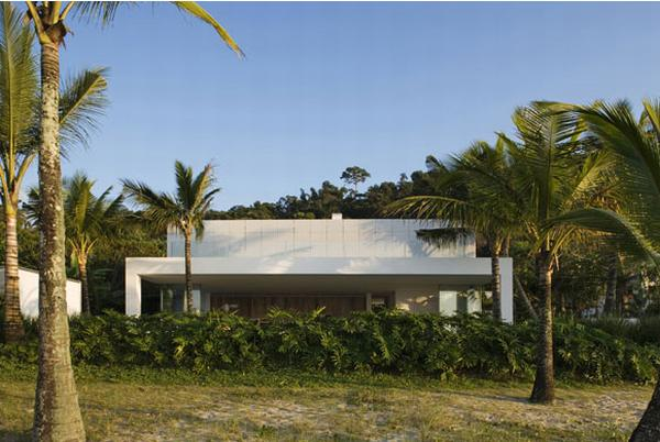 house in brazil Exotic House in Brazil by Isay Weinfeld