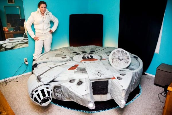 Bed Shaped like the Millennium Falcon from Star Wars