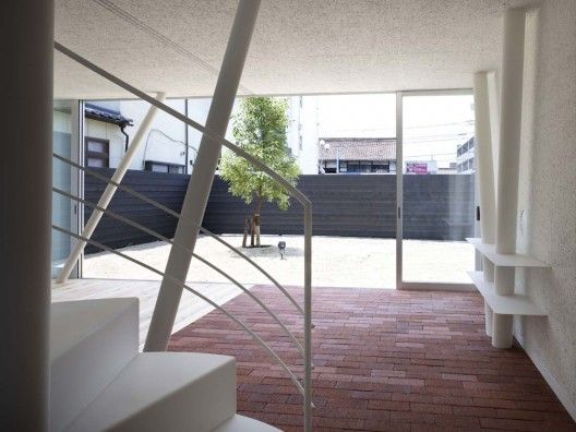 1266450131 1265311927 saijyo1936 528x396 Original Cedar Residence   in Japan from Naf Architect & Design