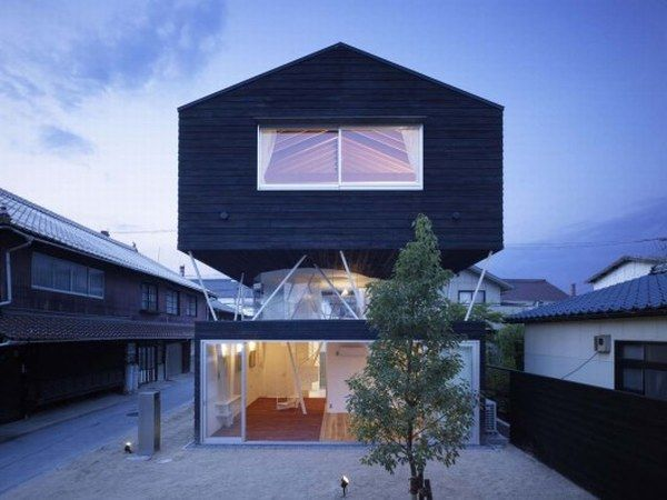 1266450177 1265311952 saijyo2053 528x396 Original Cedar Residence   in Japan from Naf Architect & Design