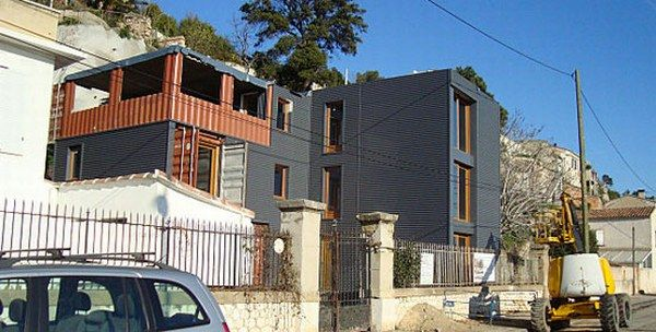 house built from containers2 Amazing House Built from Shipping Containers