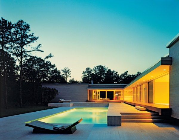 sagaponac house 43 exterior back patio pool 21 Amazing Pool Ideas For Contemporary Houses