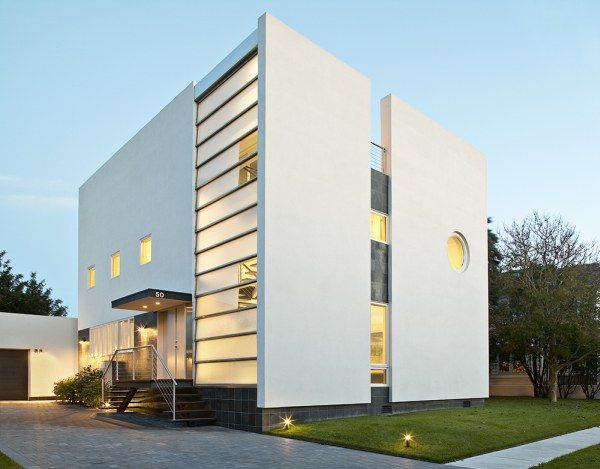 Kowalewski Residence, A Rigid Place to Live In Or A Cool Modern House?