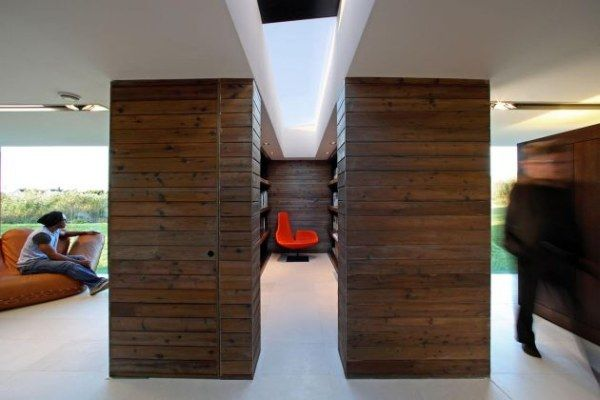 1267398552 nt 150909 010 Innovative Architecture: Barn Turned Into A Work Studio