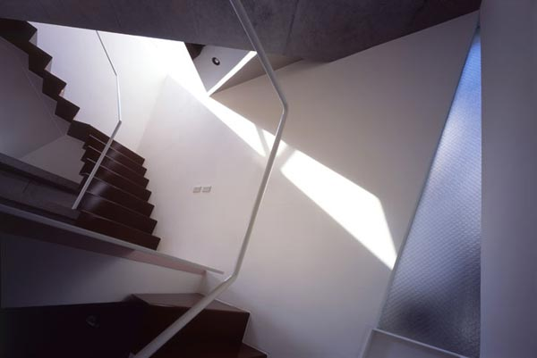 Reflection of Mineral Tokyo 2006 by Atelier tekuto8 Amazing Home Breaking Architecture Rules in Tokyos Center