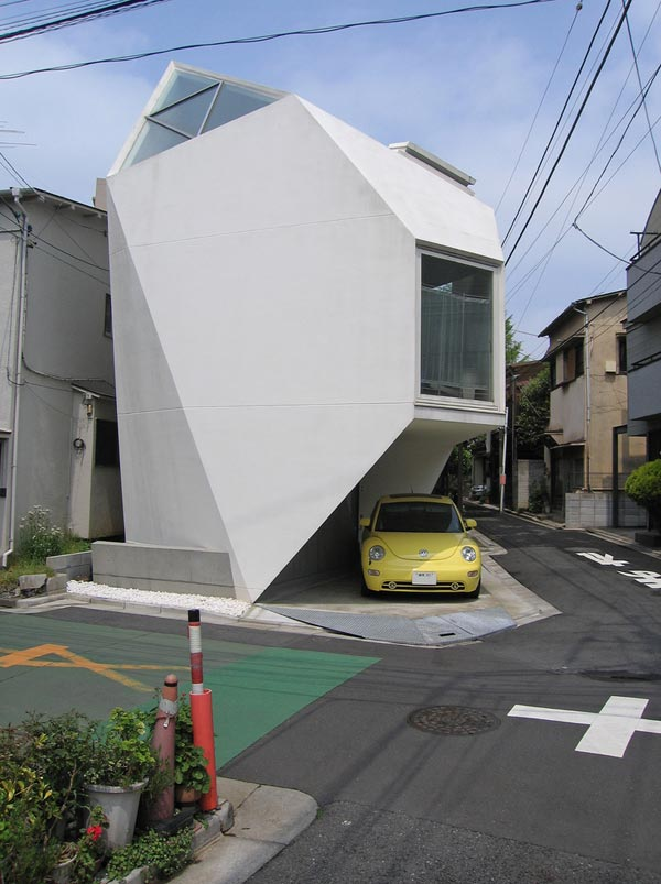 tokyo home2 Amazing Home Breaking Architecture Rules in Tokyos Center