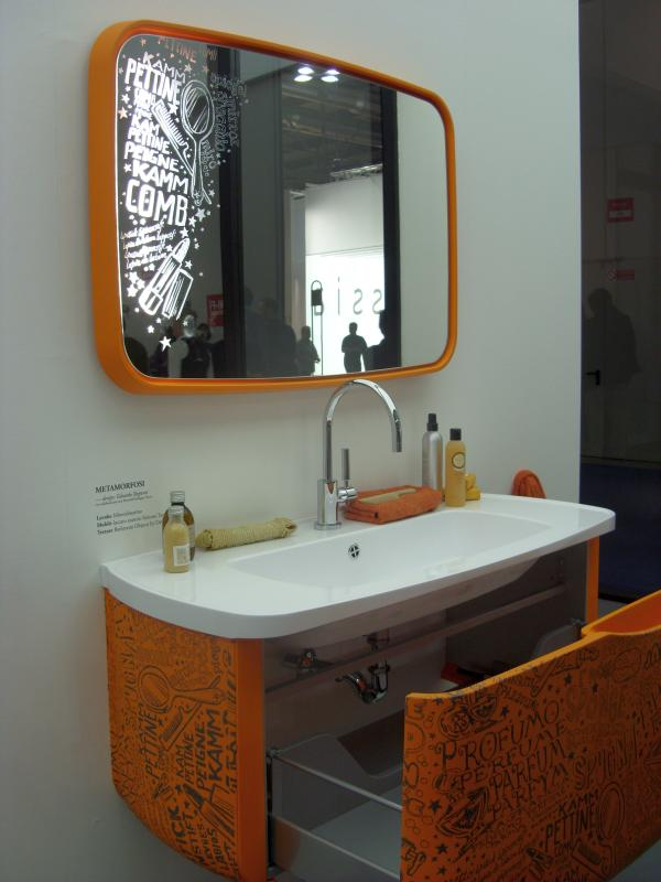 orange bathroom2 Youthful Orange Bathroom, Milan 2010